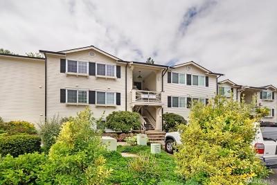 Everett Condo/Townhouse For Sale: 12404 E Gibson Rd #F202