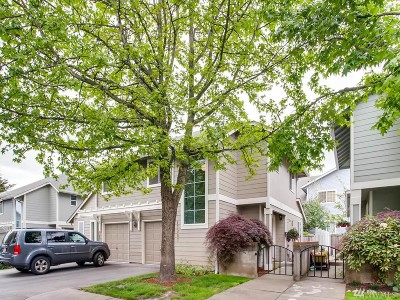 Monroe WA Condo/Townhouse For Sale: $240,000