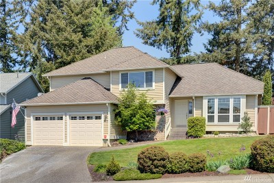 Maple Valley Single Family Home For Sale: 25238 Lake Wilderness Country Club Dr SE
