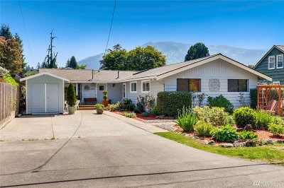 Issaquah Single Family Home For Sale: 465 NE Birch St