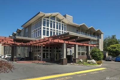 Seattle Condo/Townhouse Sold: 2501 Canterbury Lane E #423