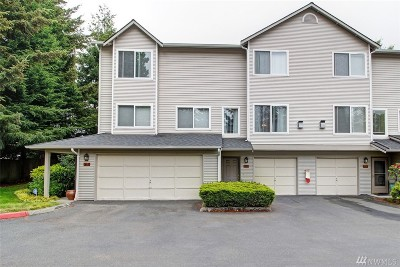 Renton Condo/Townhouse For Sale: 4808 NE Sunset Blvd #G102