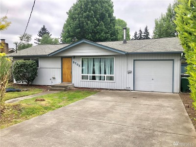Renton Single Family Home For Sale: 3705 NE 9th Ct