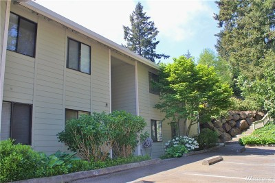 Mountlake Terrace Condo/Townhouse For Sale: 5502 220th St SW #D206