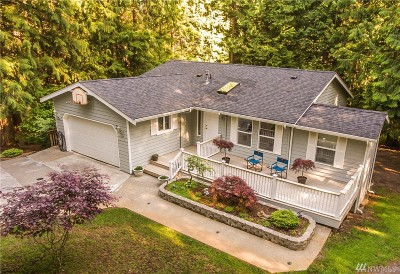 Bellingham Single Family Home For Sale: 2 Acorn Place