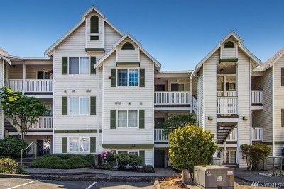 Renton Condo/Townhouse For Sale: 901 Sunset Blvd NE #C-110