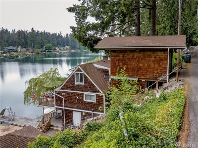 Maple Valley Single Family Home For Sale: 25617 E Lake Wilderness Dr SE