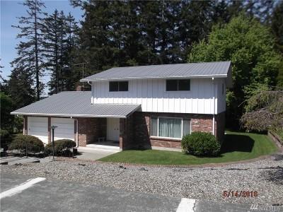 Oak Harbor Single Family Home For Sale: 1181 NE O'leary St