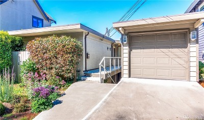 Rental For Rent: 5211 Beach Dr SW #Upper