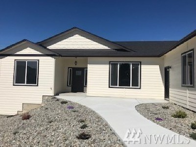 Wenatchee Single Family Home For Sale: 3795 Knowles Rd