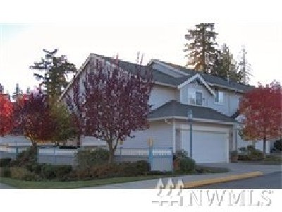 Mountlake Terrace Condo/Townhouse For Sale: 21506 50th Ave W #B1