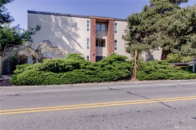 Burien Condo/Townhouse For Sale: 240 152nd St #116