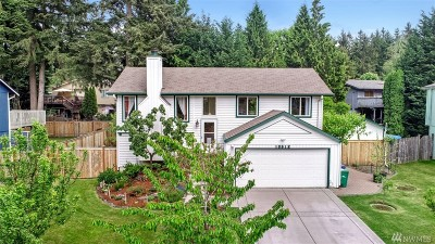 Redmond Single Family Home For Sale: 10612 161st Ave NE