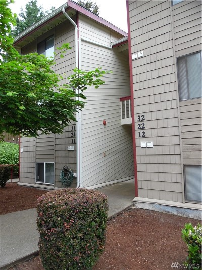 Kent Condo/Townhouse For Sale: 2411 S 248th St #D-21