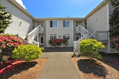 Condo/Townhouse Sold: 2704 Old Fairhaven #2B