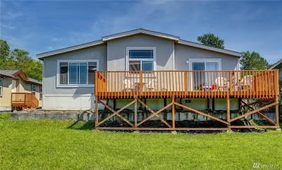 Bellingham Single Family Home For Sale: 2513 Mackenzie Rd