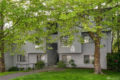 Mountlake Terrace Condo/Townhouse For Sale: 4118 212th St SW #C302