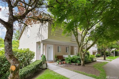 Bothell Condo/Townhouse For Sale: 15917 Waynita Wy NE #E102