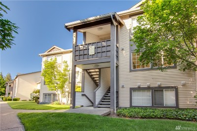 Kent Condo/Townhouse For Sale: 26213 116th Ave SE #C202