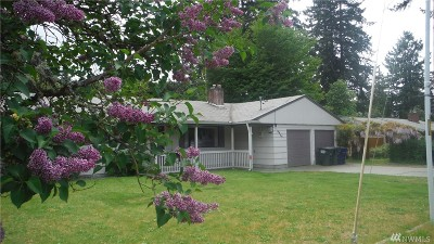 Lakewood Single Family Home For Sale: 8614 Forest Ave SW