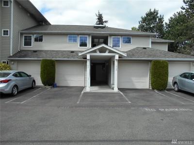 Everett Condo/Townhouse For Sale: 2001 120 Place SE #4-105