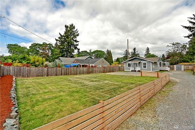 Lakewood Single Family Home For Sale: 8801 Custer Rd SW