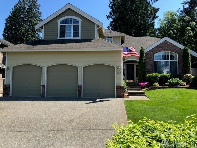 Lynnwood Single Family Home For Sale: 628 191st Place SW