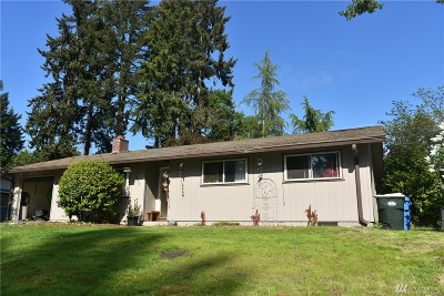 Olympia Single Family Home For Sale: 806 Oakcrest Dr SE