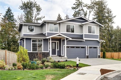 Issaquah Single Family Home For Sale: 944 10th Place NW #2