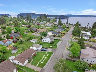 Steilacoom Single Family Home Contingent: 310 Champion St