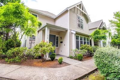 Sammamish Condo/Townhouse For Sale: 318 227th Place NE #151