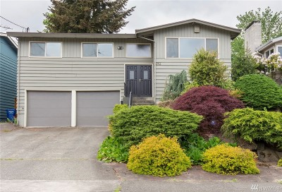 Seattle Single Family Home For Sale: 2911 Harris Place S