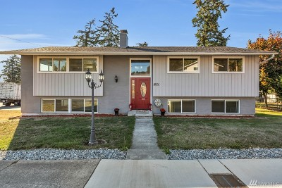 Oak Harbor Single Family Home For Sale: 1021 NE O'leary St