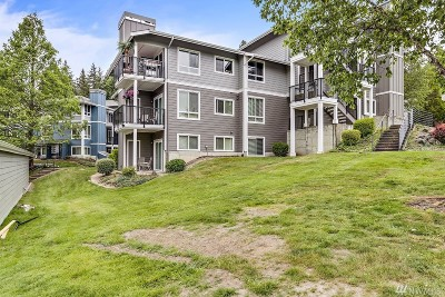 Bothell Condo/Townhouse For Sale: 3905 243rd Place SE #M102
