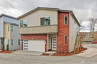 Lynnwood Condo/Townhouse For Sale: 14525 37th Ave W #4