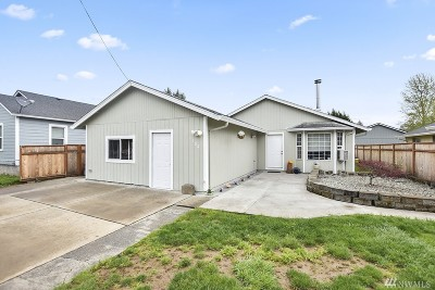 Cowlitz County Single Family Home For Sale: 1102 S 11th Ave