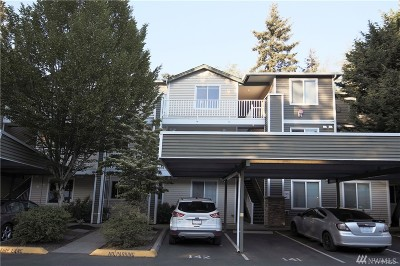 Everett Condo/Townhouse For Sale: 12530 Admiralty Wy #i303