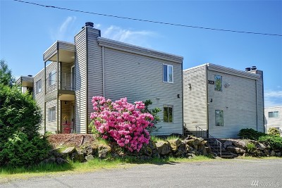 Everett Condo/Townhouse For Sale: 323 128th St SE #K119
