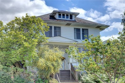 Seattle Single Family Home For Sale: 6238 Woodlawn Ave N