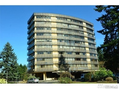 Thurston County Condo/Townhouse For Sale: 1910 Evergreen Park Dr SW #904