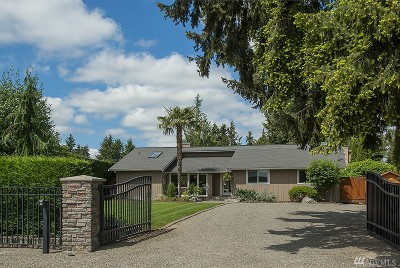 Lake Tapps Single Family Home Contingent: 18530 Driftwood Dr E