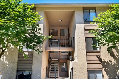 Bellevue Condo/Townhouse For Sale: 16245 NE 12th Ct #G89