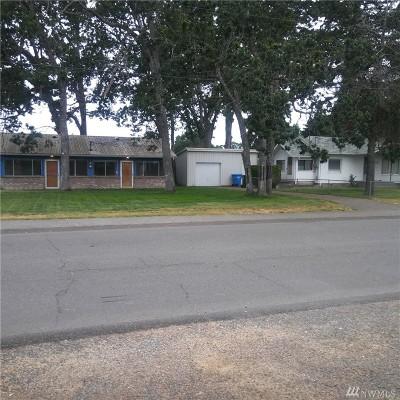 Lakewood Single Family Home For Sale: 15022 Washington Ave SW