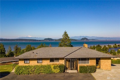 Oak Harbor Single Family Home For Sale: 642 E Peregrine Lane