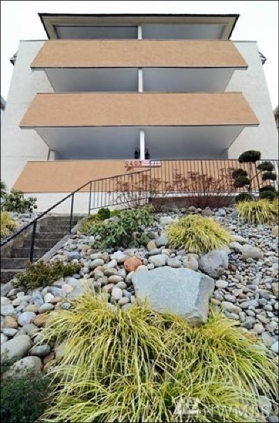 Everett Condo/Townhouse For Sale: 2423 Grand Ave #2
