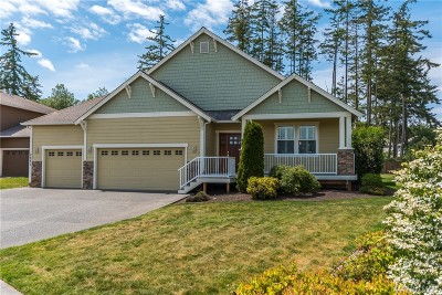 Oak Harbor Single Family Home For Sale: 2691 Fairway Point Dr