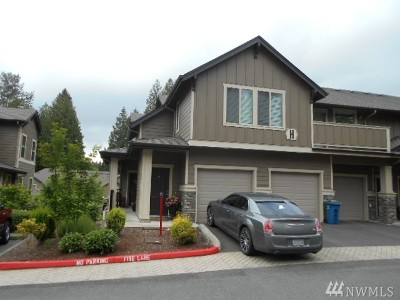 Snohomish Condo/Townhouse For Sale: 1900 Weaver Rd #H202