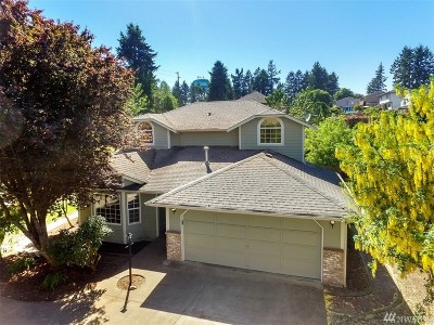 Lakewood Single Family Home For Sale: 9922 99th St SW