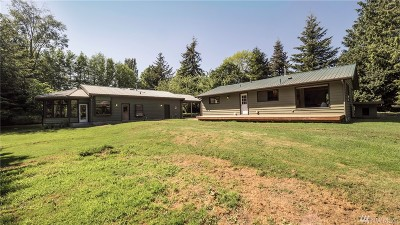 Lummi Island Single Family Home For Sale: 3883 Centerview Rd