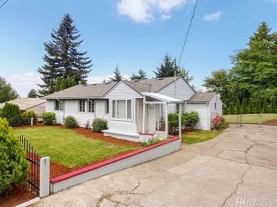 Renton Single Family Home For Sale: 1737 Harrington Ave NE